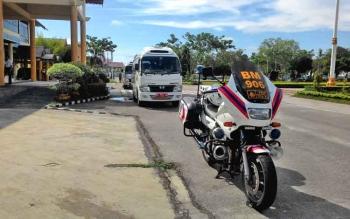 Bus rombongan safari Nyepi sudah disiapkan, meski belum ada konfirmasi dari tuan rumah yang akan dikunjungi.
