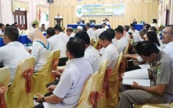 Sekda Sukamara, Sumantri saat membuka kegiatan Musrbang di aula Kantor Bappeda Sukamara.
