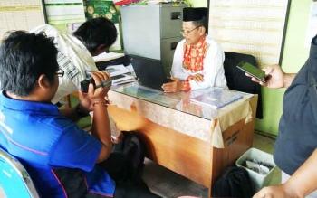 Kepala Pondok Pesantren Istiqomah saat dikonfirmasi wartawan di ruangannya, Rabu (29/3/2017)