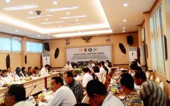 High Level Meeting (HLM) Tim Pengendali Inflasi Daerah (TPID) di Ruang Betang Hapakat, Kantor Perwakilan BI Kalteng, Rabu (29/3/2017).