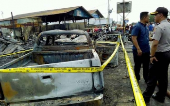 Dokumen Borneonews. Kapolres Palangka Raya AKBP Lili Warli saat memantau lokasi kejadian.