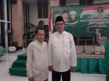 Ketua DPW PPP Kalteng Asrani (kiri) bersama Ketua Umum PPP Djan Faridz.