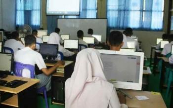 Banyak siswa mengaku kesulitan mengerjakan soal Matematika di hari kedua UN.