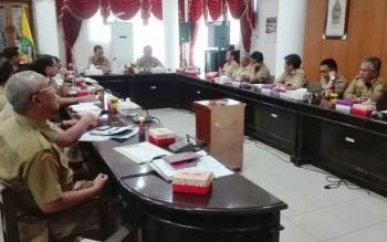 Pj Bupati Barsel, pimpin rapat evaluasi serapan anggaran triwulan I