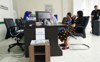 Pelayanan masyarakat di Kantor BPJS cabang Muara Teweh.