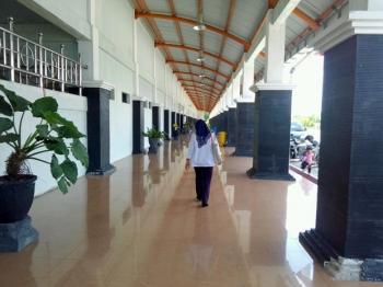 Terminal Antar Kota Antar Provinsi WA Gara di Jalan Mahir Mahar, Kota Palangka Raya.