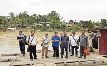 Anggota DPRD Kabupaten Gunung Mas melakukan kunjungan kerja ke daerah pemilihan III pada masa reses.