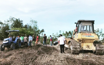 Pembukaan lahan yang bekerjasama dengan Perusda Batara Membangun di Desa Tapen Raya, Kecamatan Gunung Timang.