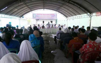 Masyarakat mengikuti sosialisasi anti narkoba yang dilaksanakan Dispora Kotim, Rabu (12/4/2017).