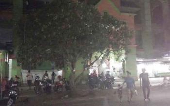 Kawasan parkir di Pasar Indra Kencana ini kerap digunakan oleh EP untuk memarkir kendaraannya, sebelum dijemput oleh MJ menggunakan mobil.