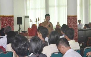 Gubernur Sugianto Sabran saat mengisi kuliah umum di STAHN Palangka Raya, beberapa waktu lalu.