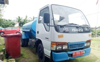 Mobil operasional Perusahaan Daerah Air Minum (PDAM) Sukamara.