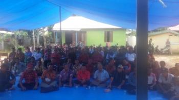 Warga empat desa di Kecamatan Kota Besi, Kabupaten Kotim, mengadakan rapat membahas rencana demo terhadap PT NSP, beberapa waktu lalu.