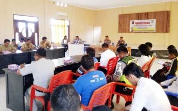 Kapolres Sukamara AKBP Rade Mangaraja Sinambela saat memimpin kegiatan forum pembentukan komunitas laka lantas.
