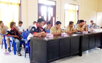 Tamu undangan saat mengikuti pembentukan komunitas laka lantas di Aula Polres Sukamara, Senin (17/4/2017).