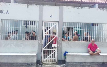 Lapas Klas IIb Sampit, Kotawaringin Timur. Aminudin alias Amin alias Mbah Min narapidana kasus perbuatan cabul meninggal saat menjalani proses pidananya di Lapas ini.