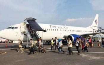 29 Pegawai Negeri Sipil yang ikut studi banding persiapan purna tugas tahun ini ke Malang ruba di bandara Juanda Surabaya menumpangi pesawat Trigana Air.