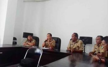 Sekda Kotim, Putu Sudarsana didampingi Plt Kepala BKD Alang Arianto dan Kabag Humas Setda Kotim Multazam.