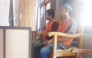 Bambang dan Ahmad Ferli, terdakwa kasus zenith.