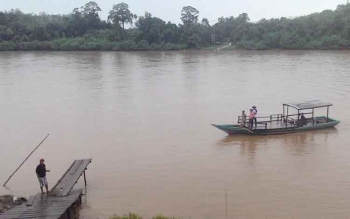Penyeberangan d Desa Muara Untu, Kecamatan Murung, Kabupaten Murung Raya.