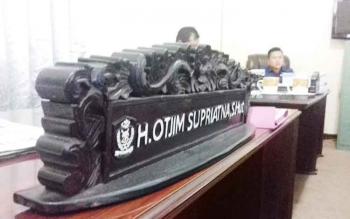 Meja Otjim Supriatna anggota DPRD Kotim kosong setelah ditinggalnya jalani proses pidana