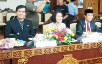 Wakil Bupati Pulang Pisau Pudjirustaty Narang saat mengadiri RUBS di Kantor Gubernur, Jumat (21/4/2017)