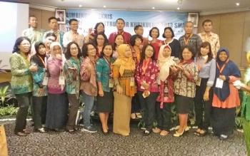 Para guru perwakilan Kalteng dalam kegiatan Bimtek Penyegaran Instruktur Kurikulum 2013 dari tanggal 17 sampai 20 April 2017 di Hotel Ciputra, Jakarta.