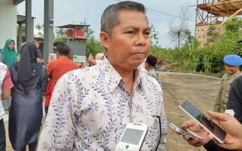 Bupati Seruyan Sudarsono memberikan tanggapan soal penangkapan Kepala Desa (kades) Pematang Limau, atas dugaan pungli pembuatan SKT.
