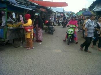 Suasana Pasar Kereng Pangi, Kabupaten Katingan tampak lengang, Sabtu (22/4/2017)