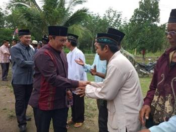 Bupati Edy Pratowo Hadiri Isra Miraj di Desa Tahai Jaya