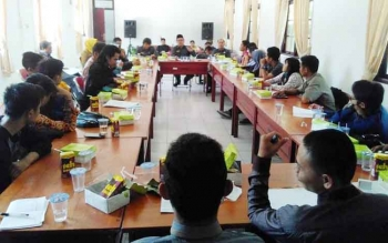 Suasana pertemuan DPRD dengan mahasiswa Pulang Pisau yang kuliah di Palangka Raya dan Banjarmasin di aula Kantor DPRD, Selasa (25/4/2017).