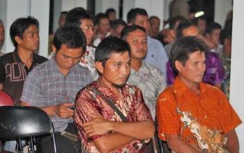 Sejumlah kepala desa saat mengikuti suatu kegiatan pemerintahan desa di Kuala Pembuang.