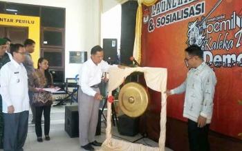 Ketua KPU Kalimantan Tengah, Ahmad Syar\\\'i dalam peresmian Rumah Pintar KPU Kabupaten Katingan, Kaleka Penyang Demokrasi, di Kasongan, Rabu (26/4/2017).
