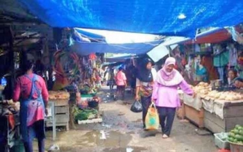 Suasana di pasar Indrasari Pangkalan Bun belum lama ini.