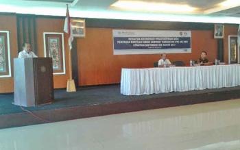Wakil Bupati Mura Darmaji saat menyampaikan sambutan pada kegiatan koordinasi pemuktahiran data penerima bantuan iuran jaminan kesehatan dan strategi distribusi Kartu Indonesia Sehat 2017 di Gedung B Kantor Bupati, Rabu (26/4/2017).