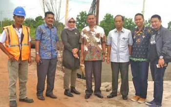Komisi IV DPRD Kotim saat melakukan monitoring masalah infrastruktur beberapa waktu lalu.