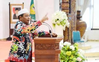 Wakil Gubernur Kalimantan Tengah, HabibSaid Ismail saat menyampaikan sambutan pada kegiatan reuni lintas angkatan SPG PGRI Muara Teweh, Kamis (27/4/2017).