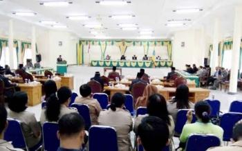 Suasana Rapat Paripurna Istimewa dengan agenda penyampaian keputusan DPRD Lamandau terhadap Laporan Pertanggungjawaban (LKPJ) Bupati Lamandau tentang penyelenggaraan pemerintah daerah tahun 2016, Jumat (28/4/2017).