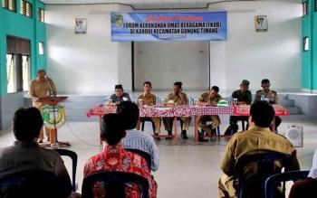 Badan Kesatuan Bangsa dan Politik (KesbangPol) Kabupaten Barito Utara melaksanakan sosialsiasi dan pembinaan toleransi kerukunan umat bergama di desa Kandui, Kecamatan Gunung Timang.