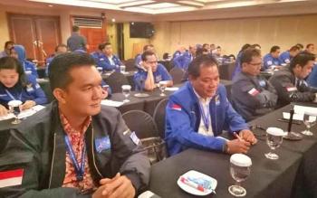 Anggota DPRD Gunung Mas, Untung Jaya Bangas (dua dari kiri) mengikuti Workshop Bimtek Fraksi Demokrat di Jakarta.