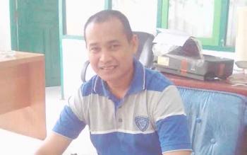 Kepala Bagian Budidaya Ikan Diruang Kerja Dinas Perikanan Barito Timur.