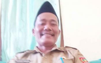 Kepala Desa Tanjung Terantang, Rahmat Basuki. Warga di sana menagih janji Desi Hercules yang menjanjikan plasma kepada 300 kepala keluarga (KK).