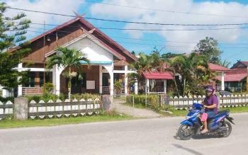 Hotel Gunung Mas yang berada di Jalan Sangkurun, Kuala Kurun, Kabupaten Gunung Mas.