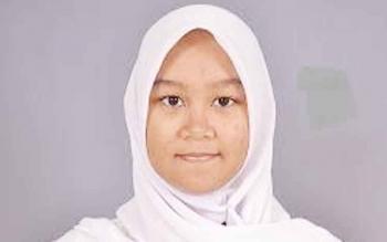 Asyistadiah Kartika Ilmiya, siswa jurusan IPA, SMAN 1 Muara Teweh, Kabupaten Barito Utara, menjadi peserta UNBK dengan nilai rata-rata tertinggi se-Kalimantan Tengah yakni 87, 25.