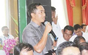 Anggota DPRD Kabupaten Pulang Pisau Tandean Indra Bela saat menyampaikan kondisi Kabupaten Pulang Pisau terkait masalah tenaga kerja kepada Komisi IX DPR RI.