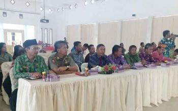 Kepala SOPD di lingkungan Pemerintah Kabupaten Sukamara saat mengikuti pertemuan bersama anggota DPR RI Komisi 2 Dapil Kalimantan Tengah, Rahmat Nasution Hamka.