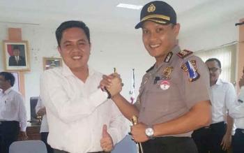 Kapolres Bartim AKBP Raden Petit bersama Wakil Ketua I DPRD Bartim Ariantho S Muller.