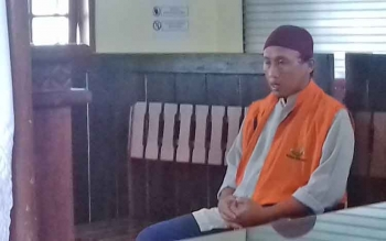 Rahmatsuri alias Matsuri terdakwa kasus illegal loging.