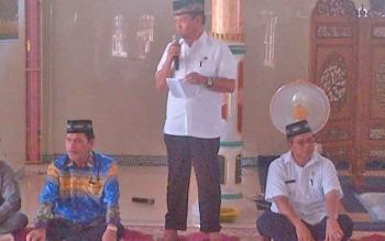Ketua kontingen STQ Barsel Yusuf Kalem (kiri duduk).