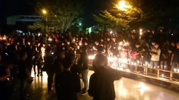 Warga mengikuti aksi solidaritas untuk Ahok di Tugu Soekarno, Kota Palangka Raya, Kamis (11/5/2017) malam.